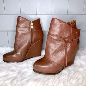 EUC BCBGeneration Brown Leather Wedge Boots Sz 7.5